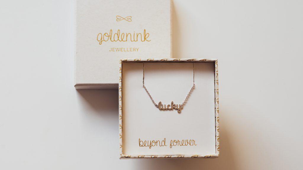 grafično oblikovanje škatlice za nakit